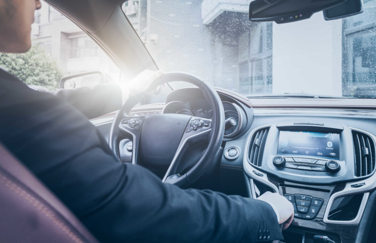 Top Five Reasons to Hire a Professional Chauffeur